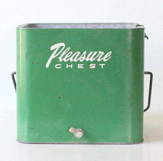 + Vintage Pleasure Chest Cooler, Retro Green Ice Chest