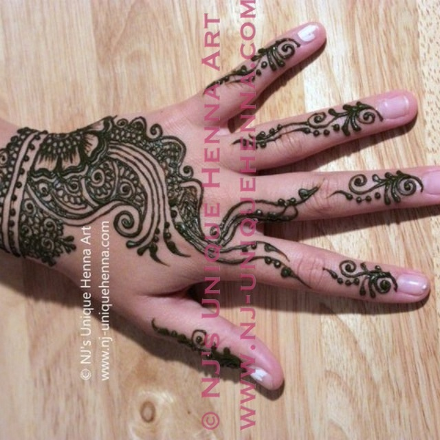 NJ's unique henna art. Copyright. All rights reserved.