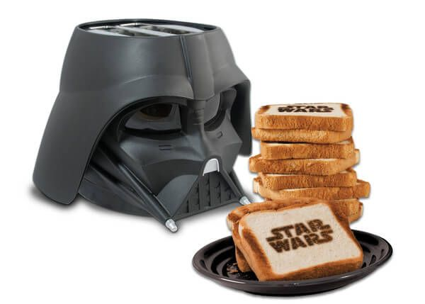 The Dark Side of Breakfast: Darth Vader Toaster Takes Fandom to a Whole New Level - https://magazine.dashburst.com/pic/darth-vader-toaster/