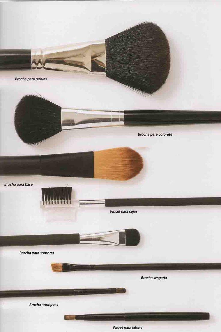 Pinceles y brochas de #maquillaje básicos: http://www.charadaimagenpersonal.es/blog/item/pinceles-y-brochas-basicos-para-maquillaje.html#.VBGXHmPNkhA