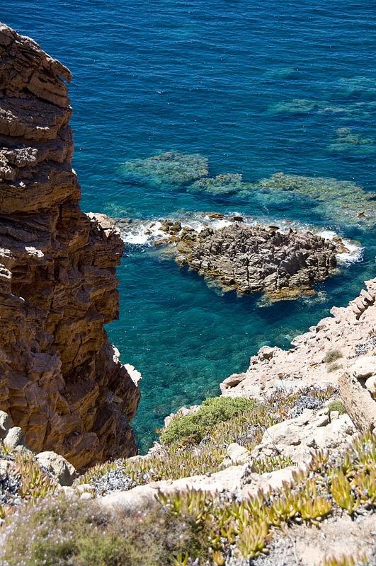 Buenos días viajeros! Tras un día de fiesta os proponemos una escapada a la preciosa isla de Cerdeña. Así da gusto :D http://www.buscounviaje.com/ficha/cerdena-hotel-y-ferry-95522