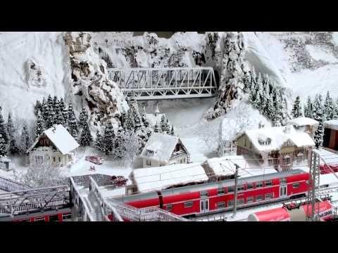 Eine bezaubernde Märklin Modelleisenbahn Anlage (4) : BLS Ae 6/8 Autotra...