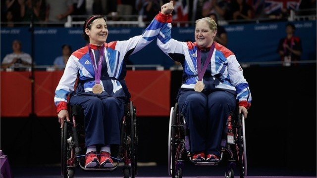 Jane Campbell and Sara Head with their bronze medals in the women's team table tennis