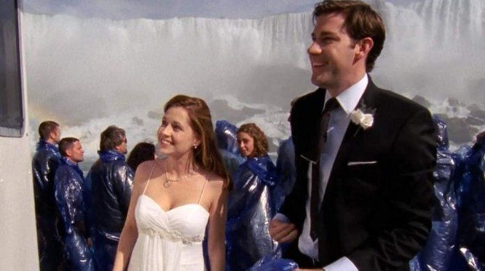 Jim And Pam S Wedding On The Office Almost Ended With A Bizarre Tragedy Jim And Pam Wedding The Office Jim Pam