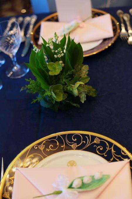 春、如水会館様への装花です。 卓上装花は、スズランで。 正確にいうと、卓上装花のあいまあいまに、 アクセントとしてスズランを飾りまし...