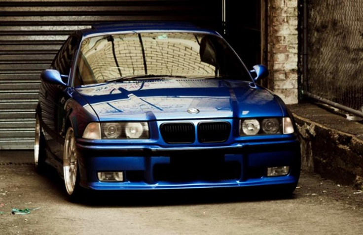 Need an E36 back in my life.