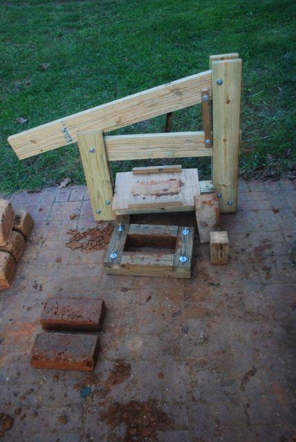 $30 method to make compressed earth blocks (CEB). (cob forum at permies)