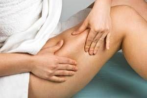 Muscler ses cuisses, ses fesses et ses abdominaux permet de limiter l'apparition de la cellulite, et à long terme de l'éliminer...