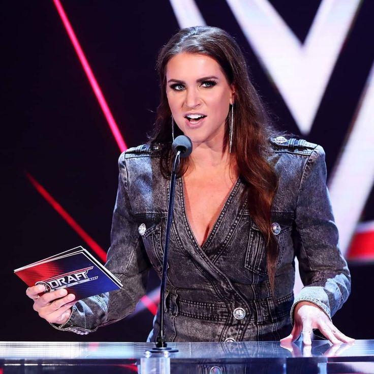 Trish Stratus ★ Hall of Fame ★ 7x Womens Champion ★ Diva