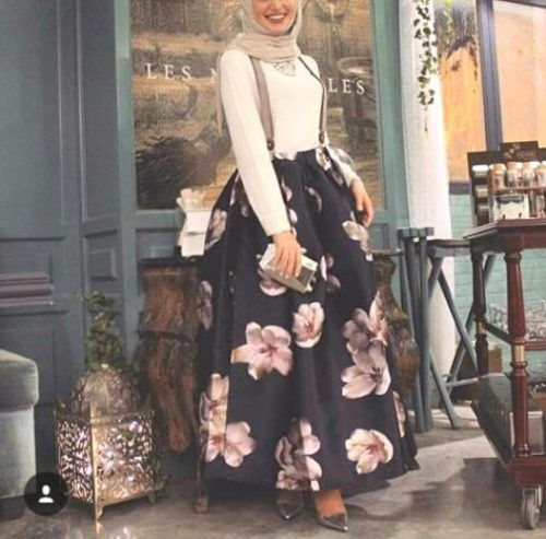 Pinterest: @eighthhorcruxx. Puff black flowery maxi skirt, white top, statement necklace and hijab.