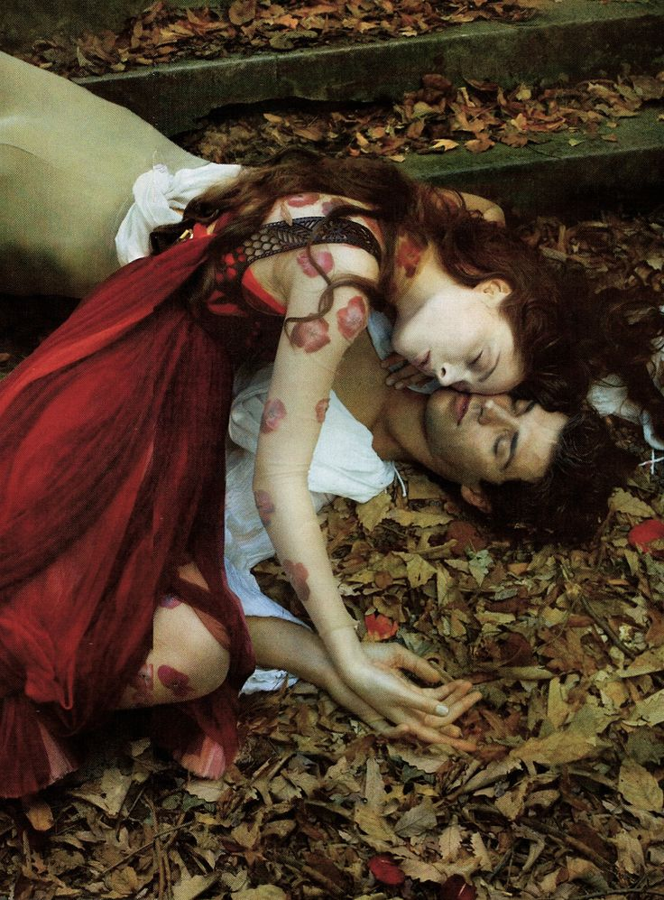 "Coco Rocha and Roberto Bolle as Romeo and Juliette in ""Love of a Lifetime"" by Annie Leibovitz for Vogue December 2008"