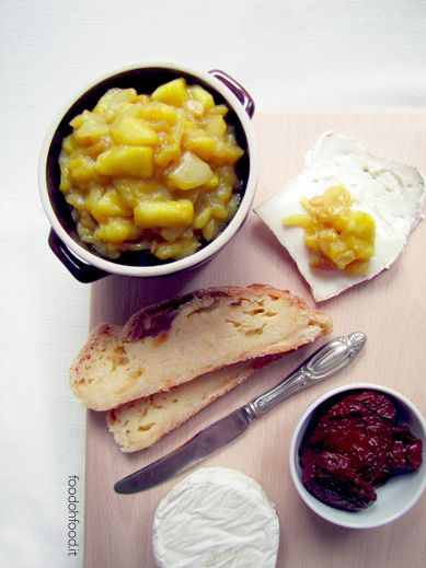 Chutney di cipolle bianche caramellate e mele