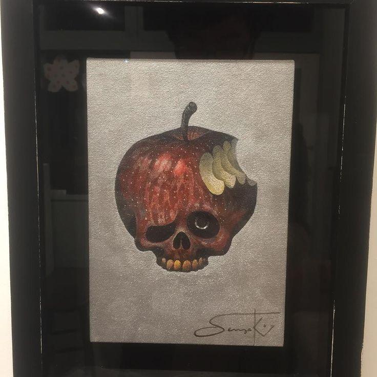 #先崎了輔 さんのドクロりんごかっこよす世田谷の八犬堂ギャラリーにて #1日1アート #RyosukeKenzaki #apple #skull #everydayart #art #八犬堂