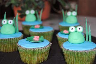 Cupcakes con rana y nenúfar de pasta de azúcar