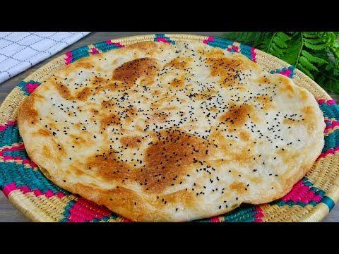 طريقة عمل خبز الخميره اليمني Yemeni Style Soft Bread Youtube Foodies Desserts Food Yemeni Food
