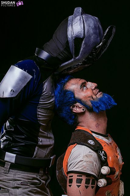 Cosplay of Zer0 and Salvador from Borderlands 2. You don't see these two very often.