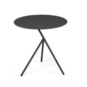 The Esplora side tables equally boast both form and function and are an ideal way to personalise your outdoor space. Each table has perfectly rounded tabletops and three delicately slender, angular legs. Available in two sizes, medium and large. These distinctive side tables can either be sold singularly or as a set, which can be nestled together. Available in three contemporary colour ways: periwinkle blue, olive green and charcoal you can choose the perfect combination for your setting…