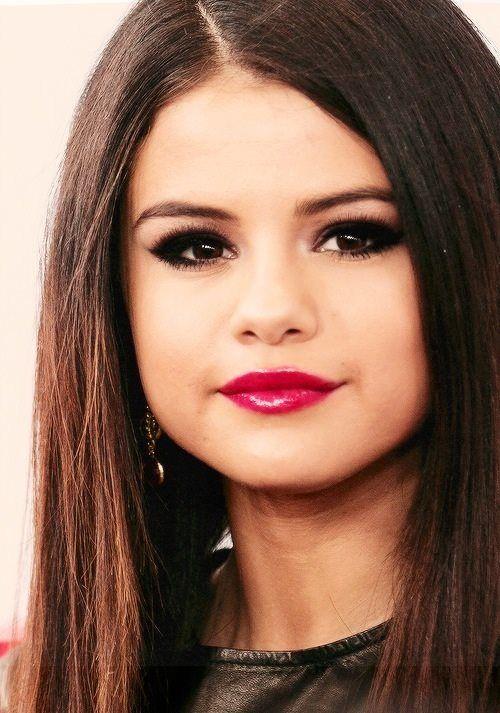 selena gomez bright lipstick and eye makeup beauty