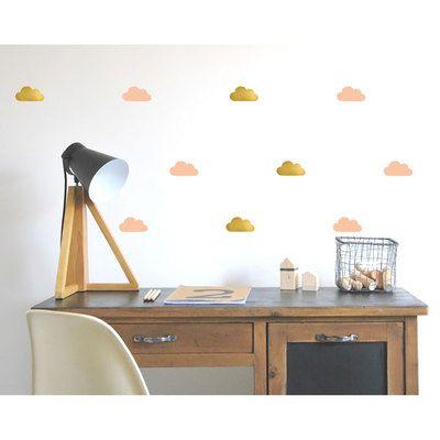 Commandez dès maintenant notre Stickers Nuages - or / rose poudre POM. Créez une ambiance cosy, chic, rétro, amusante avec les stickers muraux de Pöm, fabriqués en France. Livraison soignée.