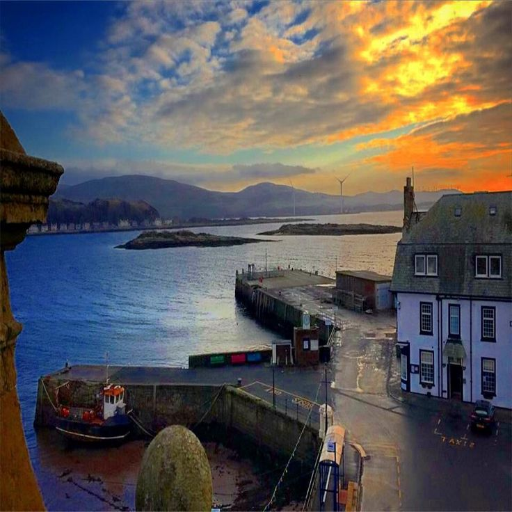 A wow view of Millport pier in the morning !