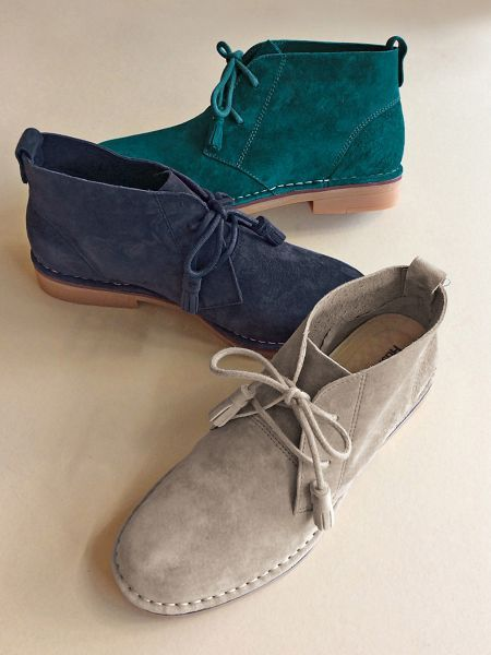 Hush Puppies Cyra Catelyn - Not your plain-Jane, 50 shades of tan chukkas! Hush Puppies® Cyra Catelyn ankle boots come in wardrobe-enhancing colors...with comfort to match.