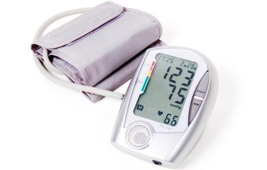 Nadciśnienie dotyka coraz więcej osób, warto dowiedzieć się jak można się przed nim chronić oraz jaki tryb życia i odżywiania jest korzystny przy nadciśnieniu.