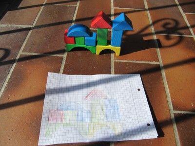 der kleine Architekt - Bausteinespiel, Kinderaktivität Kleinwirdgross.wordpress.com Ein Blog für die Familie, mit Themen von Spieletipps, Bastelideen und Rezepten, über Kindererziehung, bis hin zu mehr Gelassenheit für Eltern