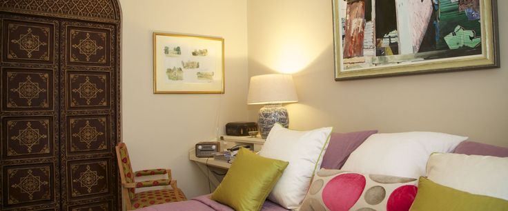 A very stylishly furnished and decorated flat offering very comfortable accommodation, quietly located and within easy reach of the underground at West Brompton (an easy 5 minute walk away), many good bus routes and local shops and amenities.