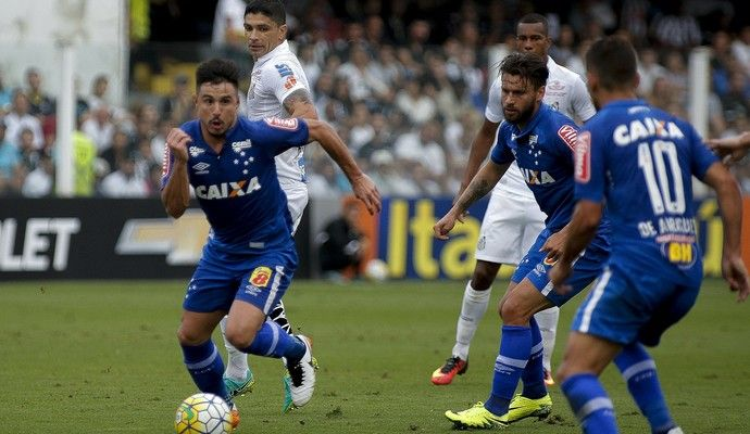 Willian Cruzeiro (Foto: Daniel Vorley/Light Press)