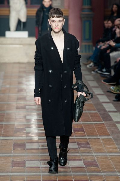 Mode à Paris FW 2014/15 – Lanvin See all the catwalk on: http://www.bookmoda.com/sfilate/mode-a-paris-fw-201415-lanvin/ #paris #fall #winter #catwalk #menfashion #man #fashion #style #look #collection #modeaparis #lanvin @LANVIN Paris