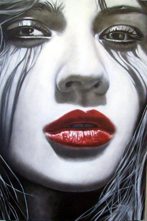 Me  150x100 cm - 2012    Ritratti di bellissime donne in bianco e nero con carnose labbra rosse, cappelli fluttuanti e sguardi intensi. ...