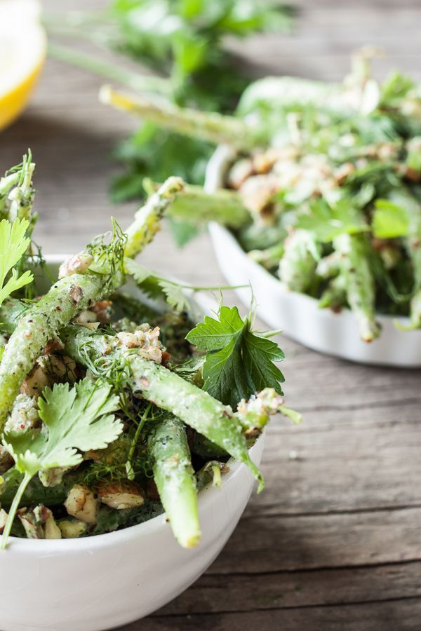 Green Bean Salad with Herb-Tahini Dressing and Toasted Almonds via Dishing Up the Dirt #vegan #glutenfree