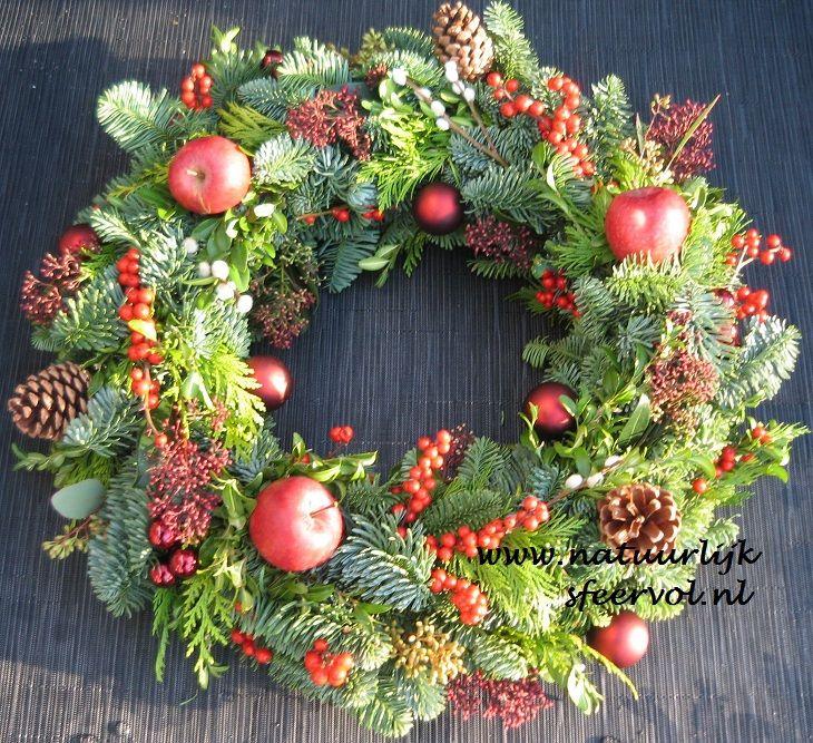 Kerstkransen - Kerstkrans vers 50 cm red x-mas - Natuurlijk Sfeervol - powered by 123webshop.nl