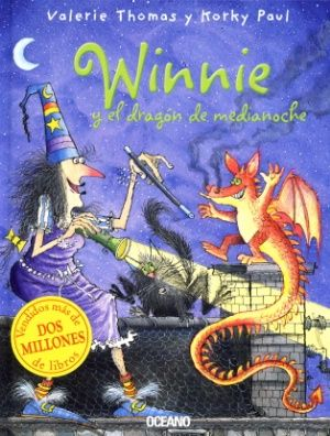 Mientras la bruja Winnie duerme, Wilbur, su gato, oye un ruido extraño. Es un dagoncito que echa humo por la nariz. ¿Cómo evitará Winnie que se incendie su casa?, ¿cómo ayudará al dragón a encontrar a su mamá? ¡Haciendo un poco de magia!