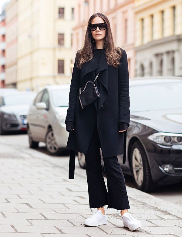 caroline blomst all black white sneakers street style
