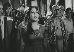 Golden Bollywood: Meena Kumari & Dilip Kumar in Yahudi (1958) gif