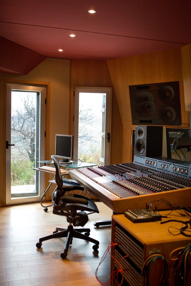 The TL Audio desk in the control room at El Mirador recording studio http://www.miloco.co.uk/studios/el-mirador/equipment/