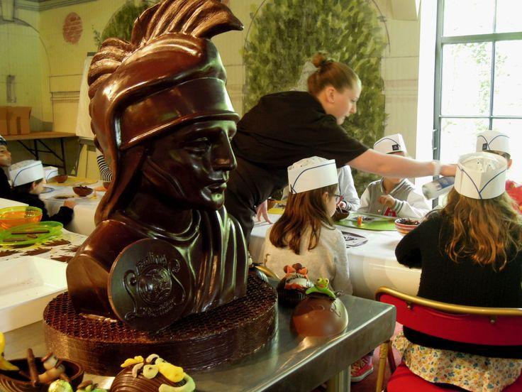 Atelier de customisation culinaire avec les chocolatiers Leonidas.