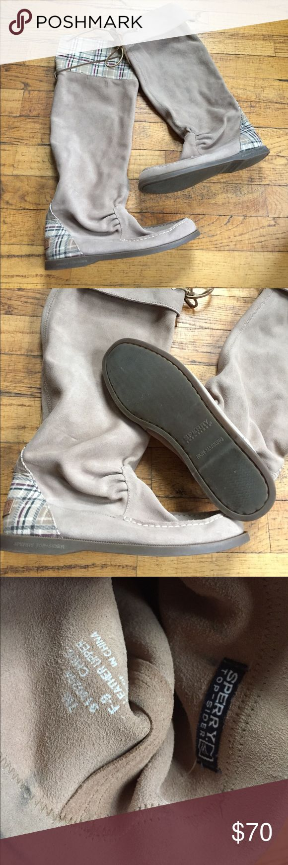 Skerry Top-Sider boat boots Fun and rad to find! Leather with a cute plaid heel cover and under cold. Size 7. Sperry Top-Sider Shoes