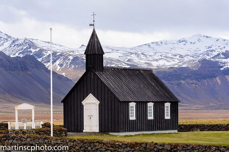 Iglesia Negra de Búðir Garðabær Islandia by Martinscphoto