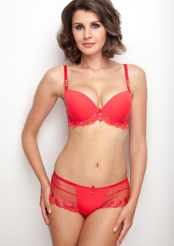 Samanta lingerie - New collection Goshenit crimson bra: A475 pants: D300 www.samanta.eu