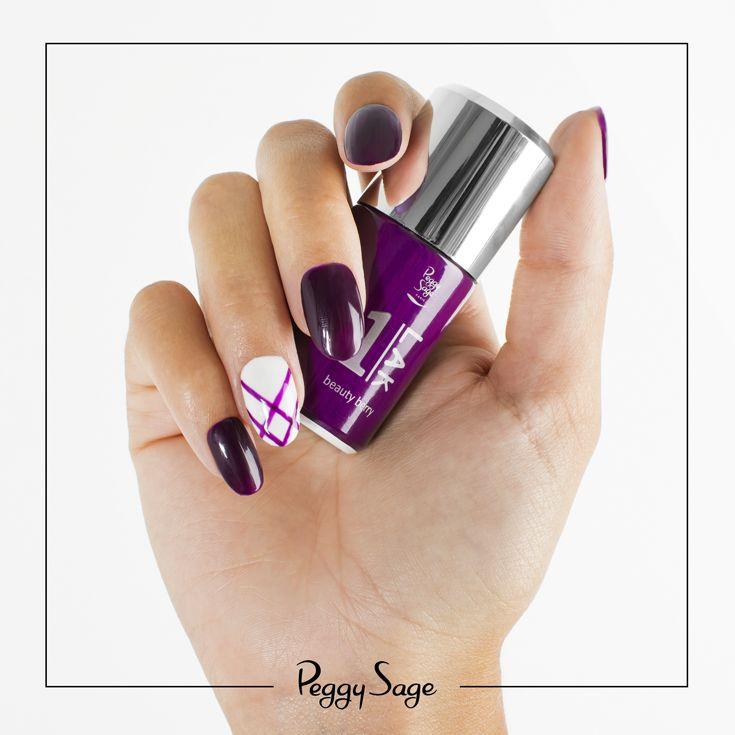 """Un nail art graphique simple et efficace, avec LA couleur de l'automne en vernis semi-permanent 3 en 1 1 LAK """"beauty berry"""". Testez la manucure semi-permanente rapide et simple avec le mini kit 1 LAK"""