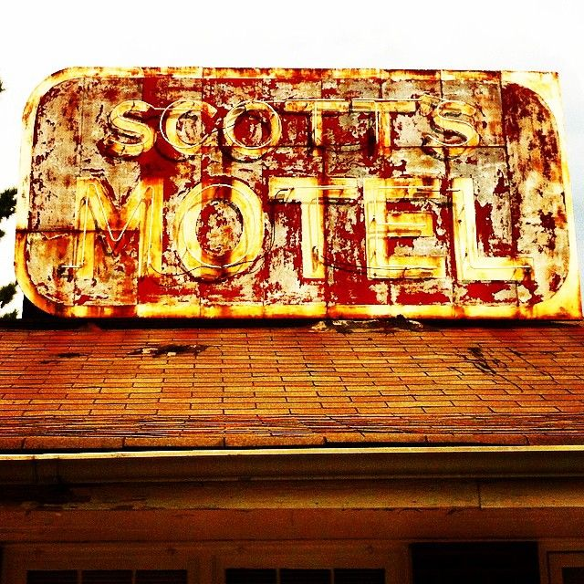 165 Best Images About Hotel And Motel Vintage Signs On