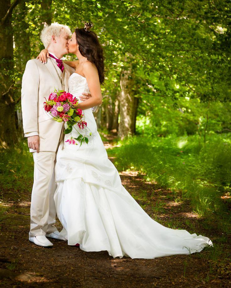 Vill ni ha information om mina bröllopspaket? #bröllopsfotograf #kristianstad