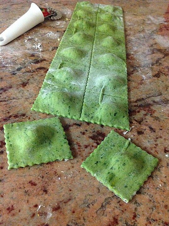 Grüne Kürbis-Ravioli, ein schmackhaftes Rezept aus der Kategorie Snacks und kleine Gerichte.