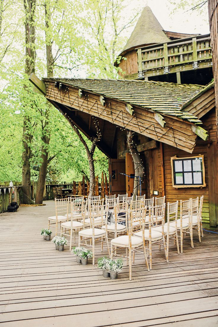 Alnwick Garden Outdoor Rustic Treehouse Wedding http://helenrussellphotography.co.uk/