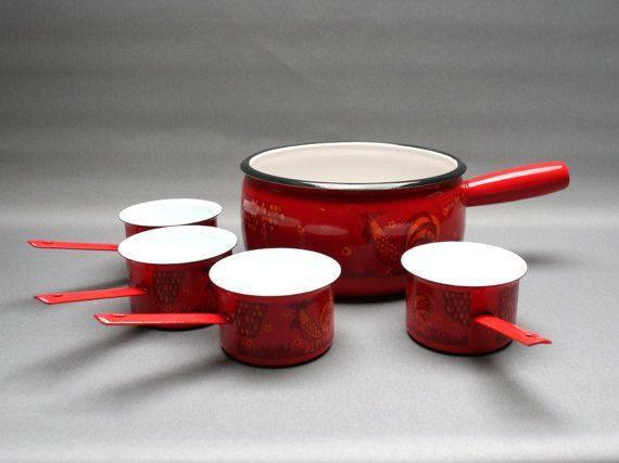 French vintage AUBECQ enamelled saucepan with its matching small pans, Metal and red enamel pots, Red & orange rustic kitchen, 1950s