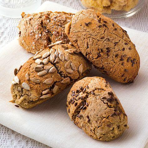 Buchweizen wird als Korn, Flocken, Grütze oder Mehl angeboten.Kaufen Sie ihn nur als »glutenfrei« gekennzeichnet, da die Gefahr durch glutenhaltigen F...
