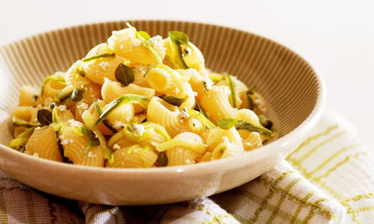 Caracóis com Abobrinha e Gorgonzola: Fácil e saboroso!