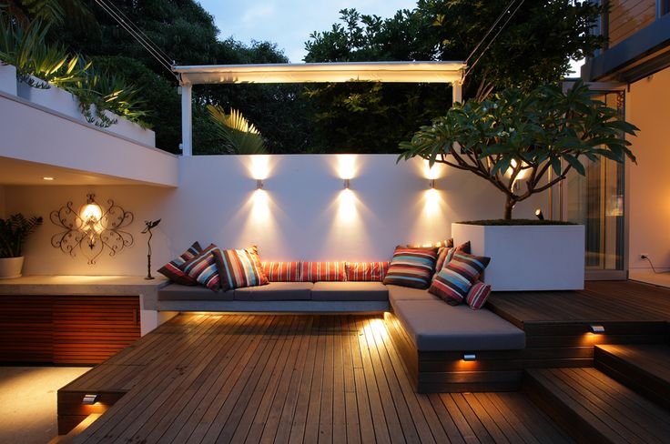 Here is a collection of modern backyard designs where you can enjoy without leaving the comforts of home.